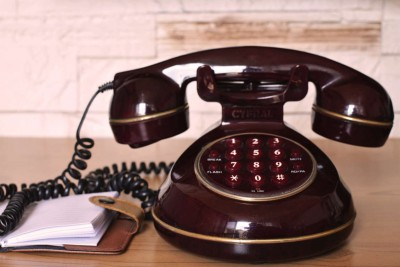 vintage-communication-dialer-telephone